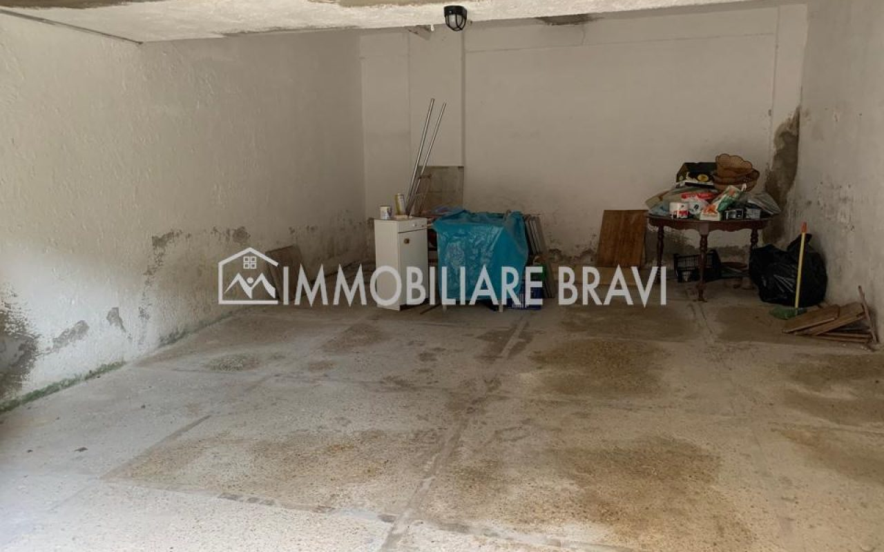 Box Auto in Via delle Colonie - Agenzia Immobiliare Bravi a Santa Marinella