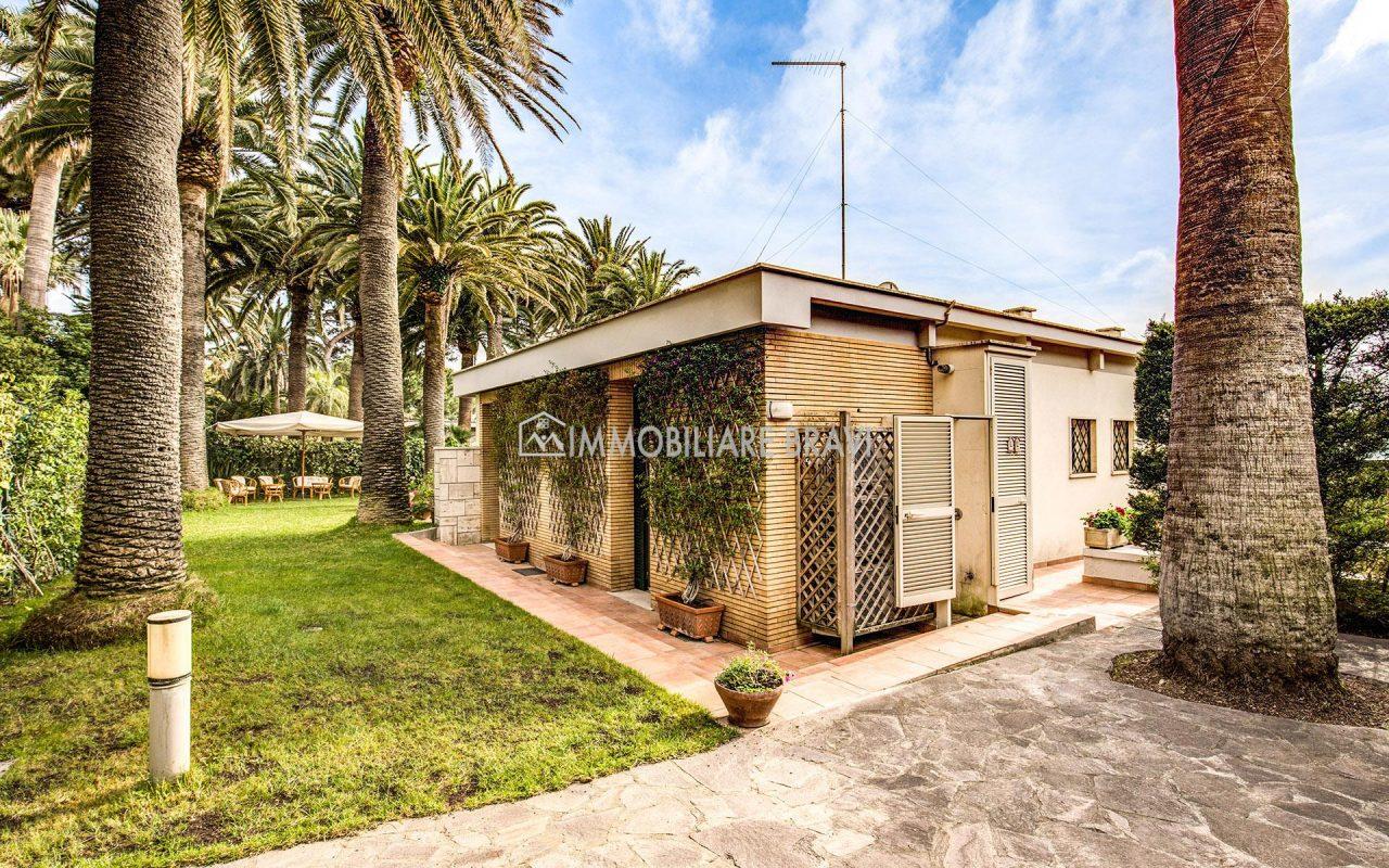 Villa di lusso zona Centro in vendita a Santa Marinella - Agenzia Immobiliare Bravi