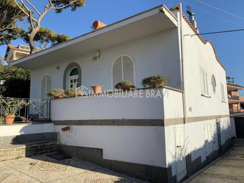 Villa Unifamiliare in Via Aurelia - Agenzia Immobiliare Bravi a Santa Marinella